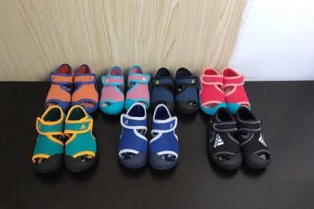 常熟阿迪童鞋7色齐发